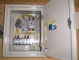 南小学校床暖制御盤工事完成 015-2.jpg